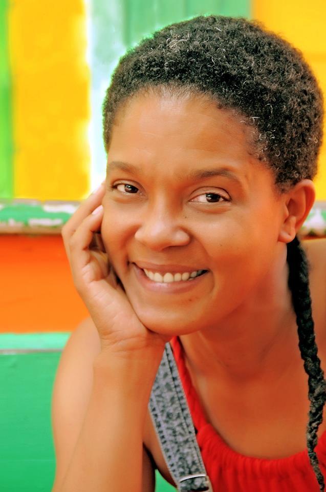 L'afro dans tous ses états : TWA, BAA, libres, tirés, manipulés, afro couette, Shake And Go - Page 3 Lea_ga11