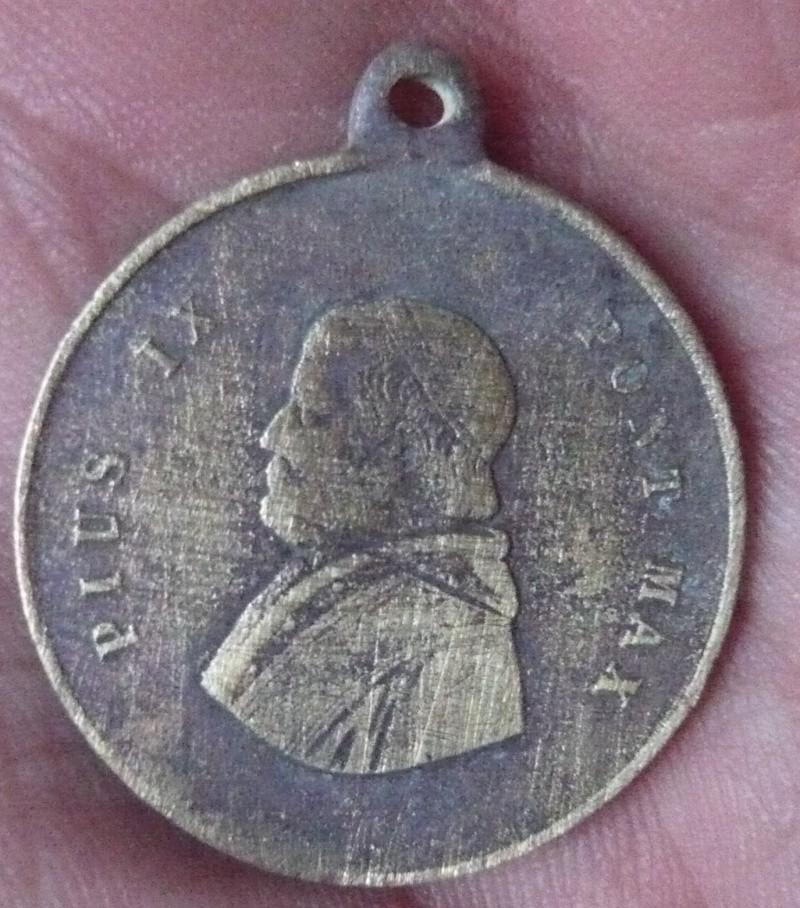 Médaille du Pape Pie IX (fin XIXe siècle). P1130343