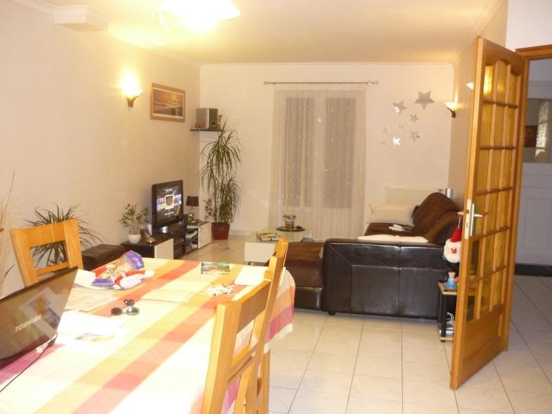 comment peindre un salon salle a manger tout en longueur ? P1050914