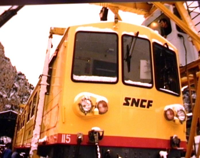 Photos du déchargement de la Z 115 en gare de Villefranche Vernet les Bains Dechar10