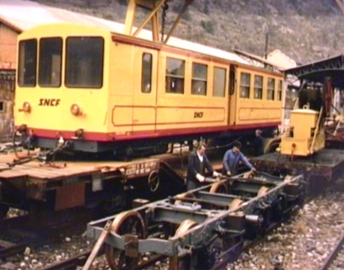 Photos du déchargement de la Z 115 en gare de Villefranche Vernet les Bains Serr_b10