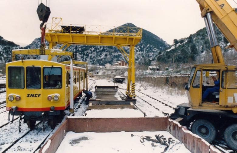 Photos du déchargement de la Z 115 en gare de Villefranche Vernet les Bains Vv_bmp10