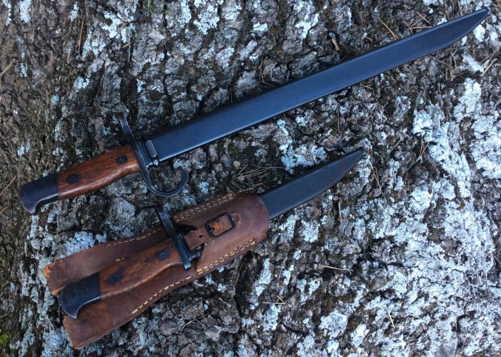 Quelques baïonnettes montées sur leurs armes - Page 12 Img_5112