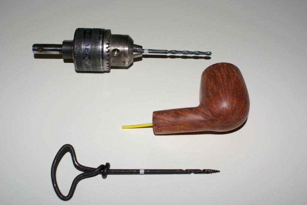 Ouvrir le conduit de la tige à 4mm : exemple. Dsc01910