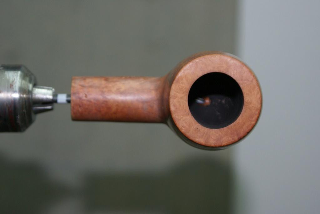 Ouvrir le conduit de la tige à 4mm : exemple. Dsc01911
