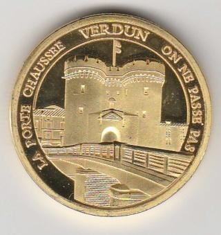 Verdun (55100)  [Centre Mondial de la Paix] Img_2049