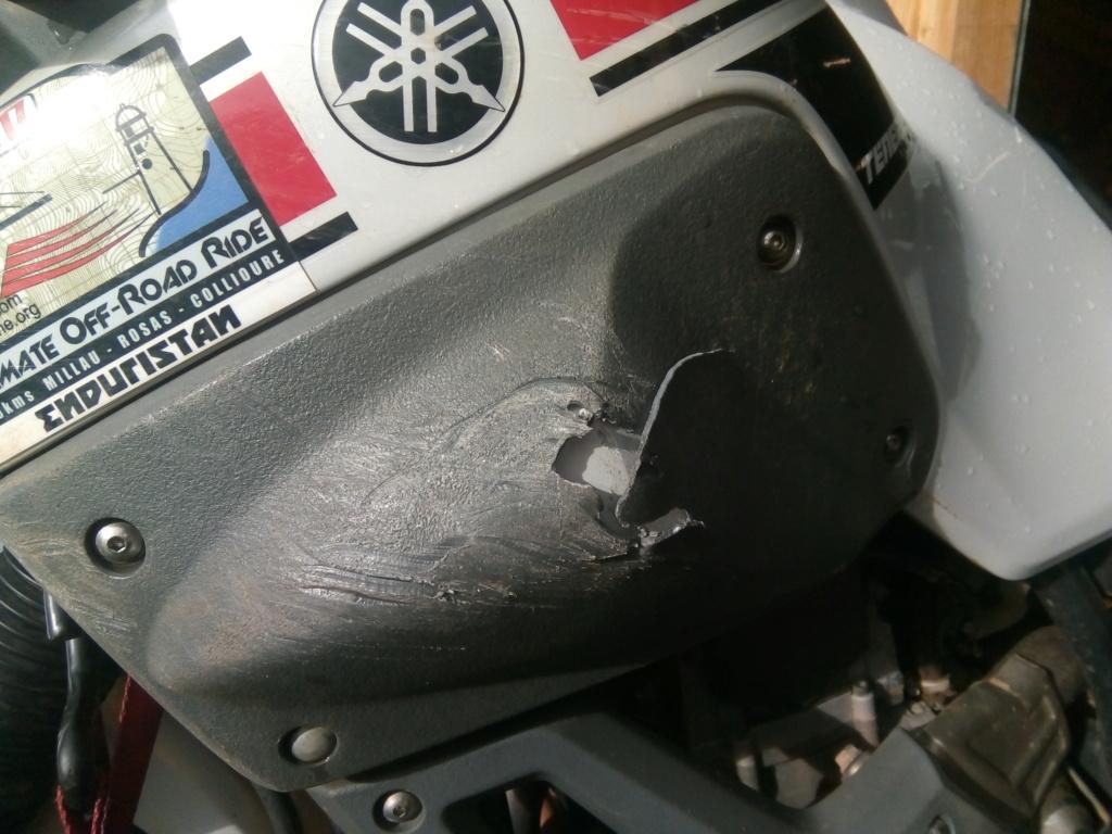 Cherche protection réservoir côté G pour XTZ660 2008+ Img_2043