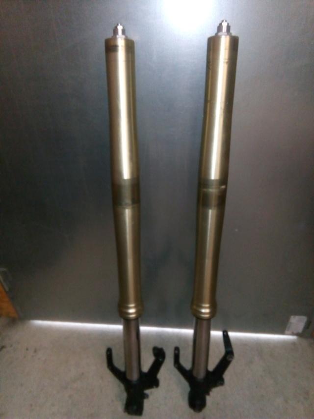 A vendre tubes de fourches XTZ1200 Img_2053