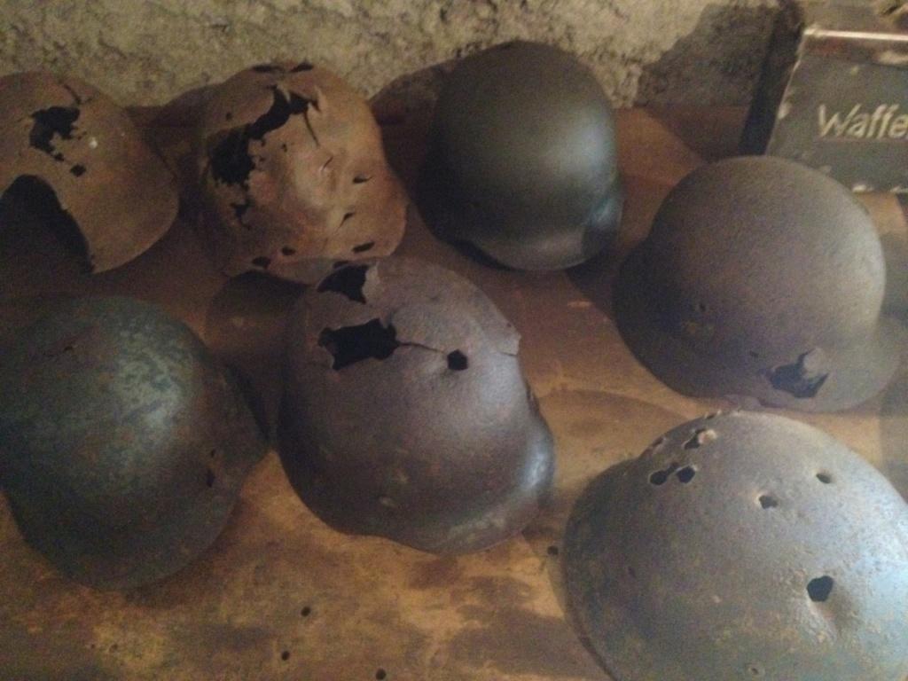 Reliques de combat  (casques caisses et equipements All ww2) Thumbn27