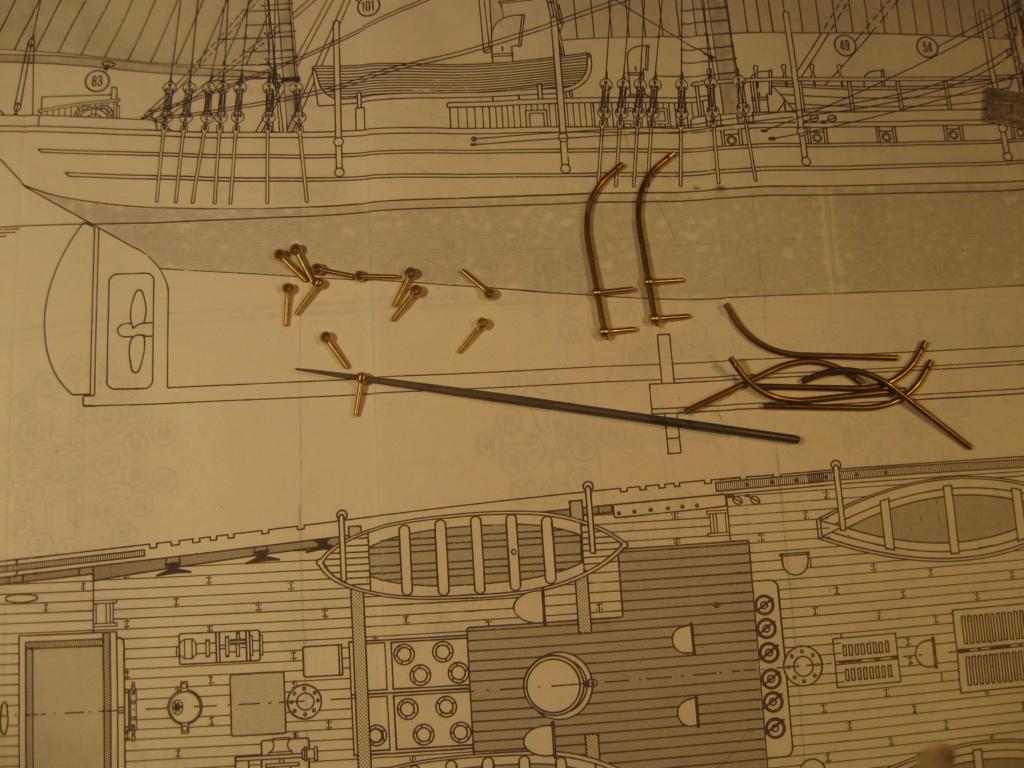 Pourquoi-Pas. Maquette 1/75e de Billing Boats - Page 7 Img_2544