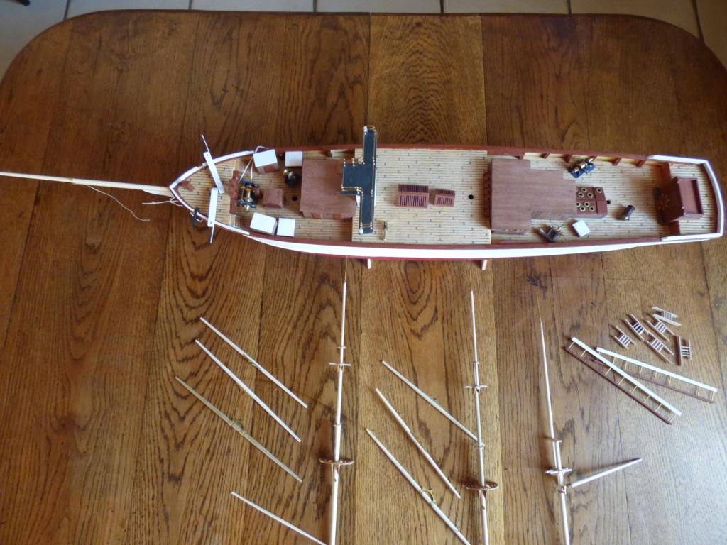 Pourquoi-Pas. Maquette 1/75e de Billing Boats - Page 6 P1080018