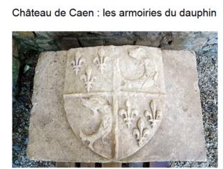 pierre sculptée avec armoiries familles Villeneuve Charbonneau DesNOS de la Gueriniere 2018-011