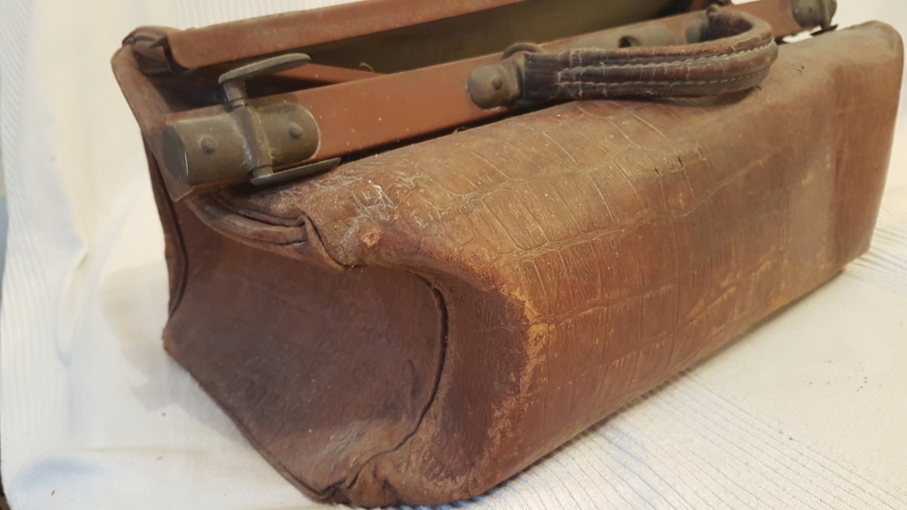 Rénovation sac en cuir Sac_310