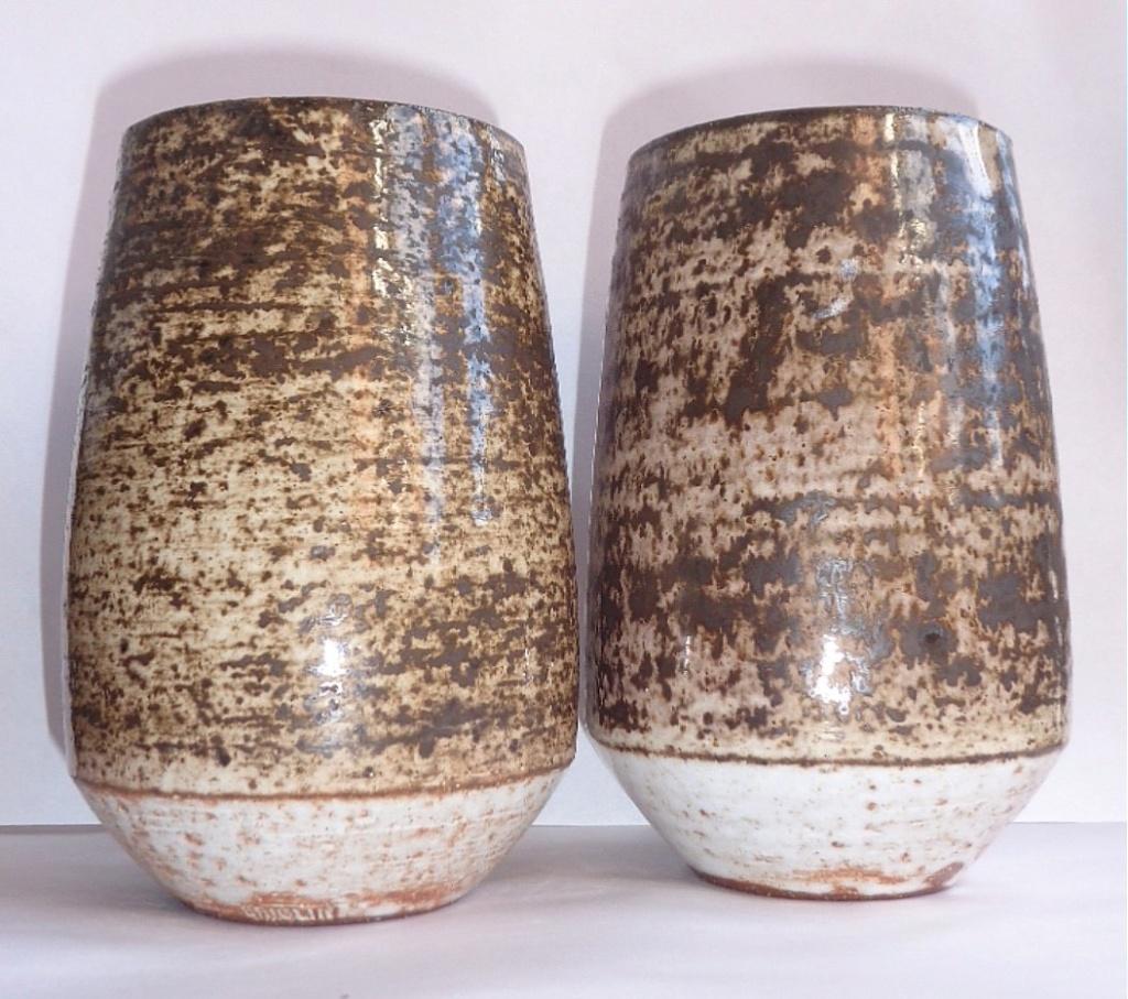 Briglin Pottery (London) - Page 10 Bsv110