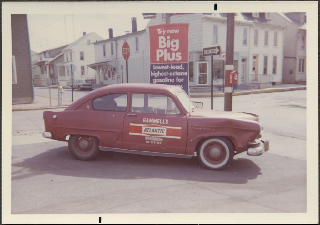fifties & early sixties cars in situation - Vintage pics - Page 4 07_l0610
