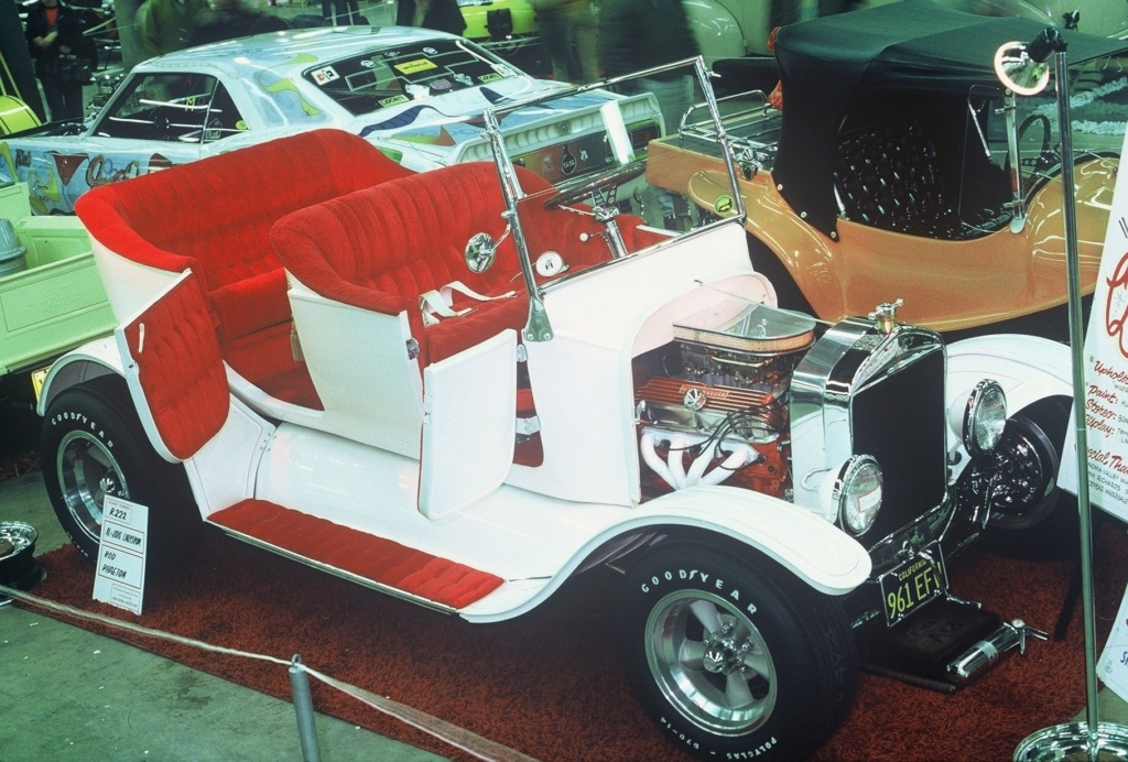 Grand National Roadster Show of the 70's 08-his10