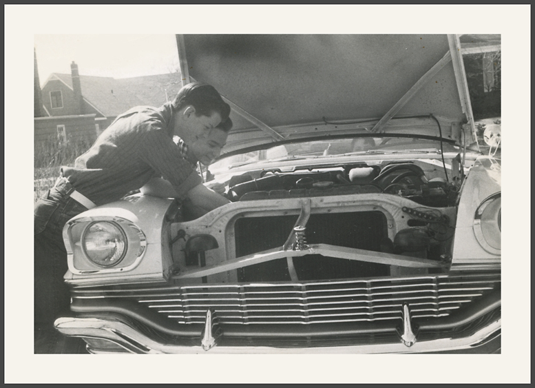 fifties & early sixties cars in situation - Vintage pics - Page 3 08_57_10