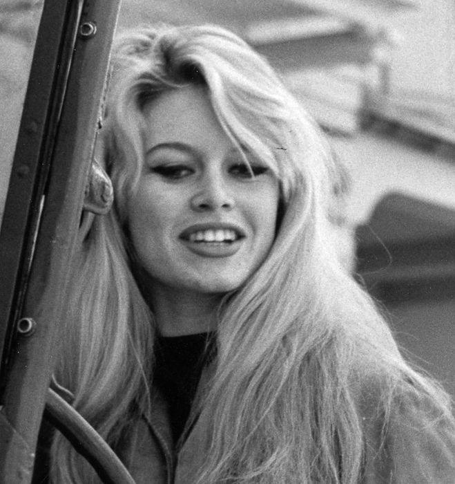 Brigitte Bardot 09f9b310