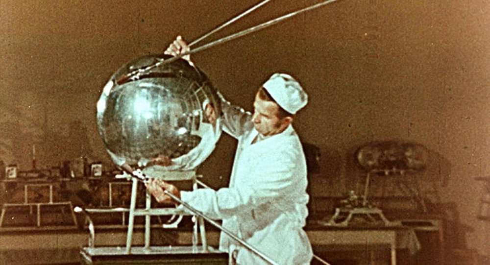 Spunik - Spoutnik - satellite, space age, design & style 10333210