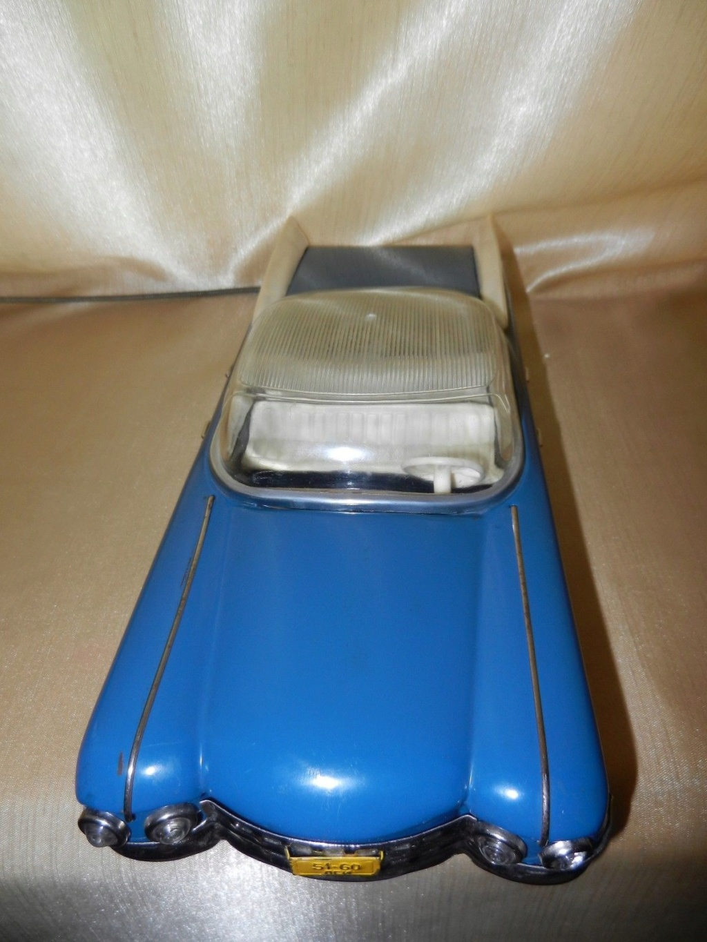 1959 RUSSIAN TIN TOY LIMOUSINE CADILLAC  10g11