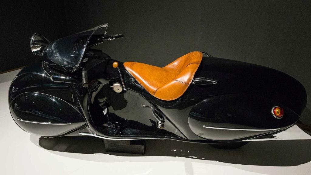Henderson Streamliner art deco bike 11610410