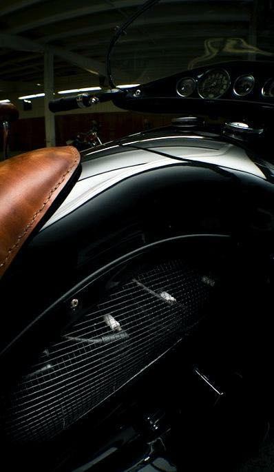 Henderson Streamliner art deco bike 11731510