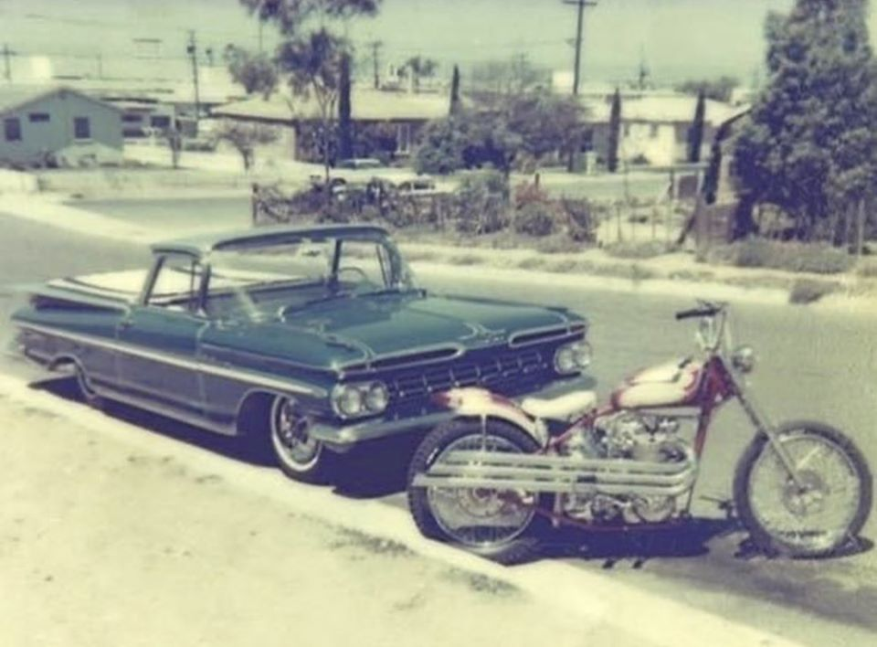 custom cars in the street - in situation ( vintage pics 1950's & 1960's)  - Page 6 11829410