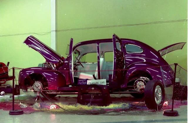 Vintage Car Show - Page 20 12193610