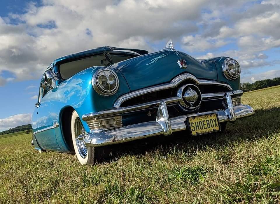 Ford 1949 - 50 - 51 (shoebox) custom & mild custom galerie - Page 29 12296510