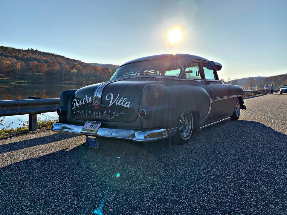 Pontiac 1949 - 54 custom & mild custom - Page 4 12378010