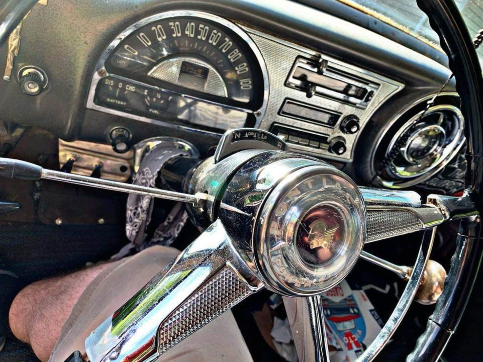 Pontiac 1949 - 54 custom & mild custom - Page 4 12518810