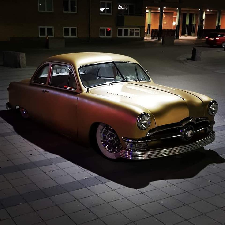 Ford 1949 - 50 - 51 (shoebox) custom & mild custom galerie - Page 29 12788410