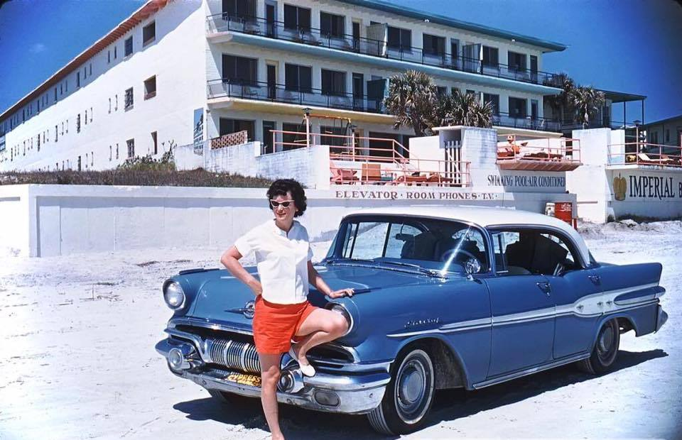 fifties & early sixties cars in situation - Vintage pics - Page 4 12792610