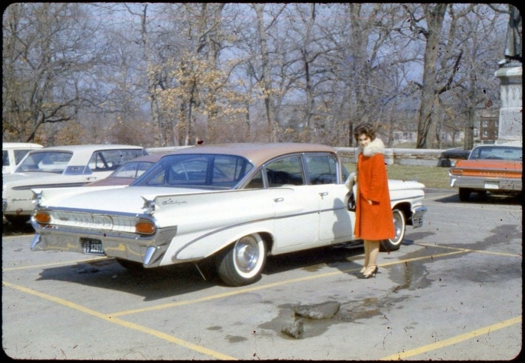 fifties & early sixties cars in situation - Vintage pics - Page 4 12814610