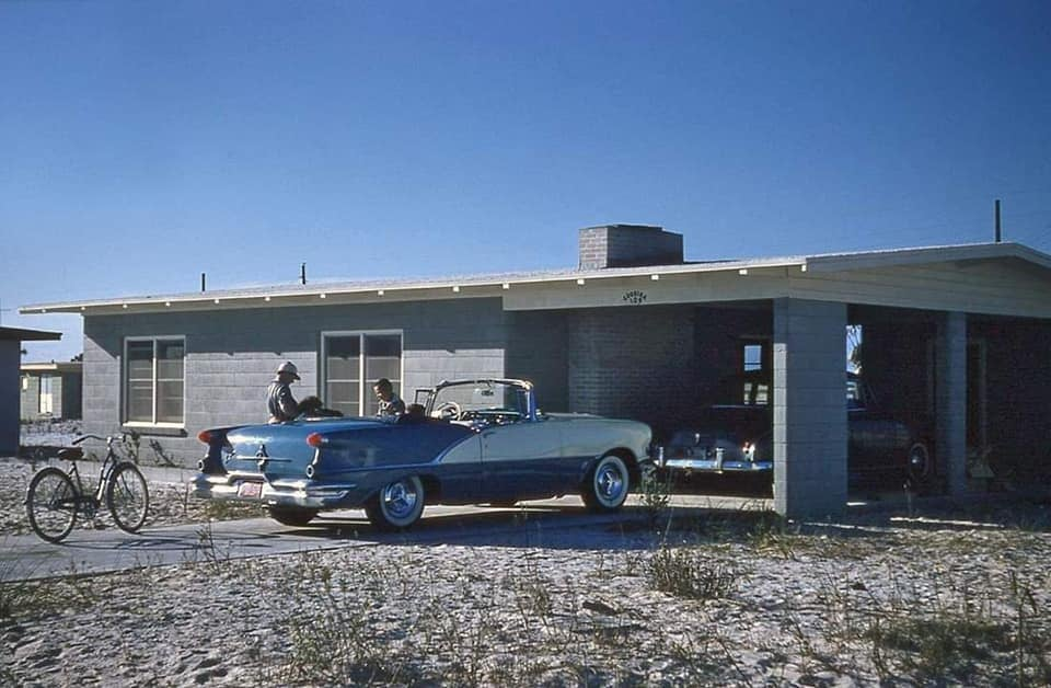fifties & early sixties cars in situation - Vintage pics - Page 4 12835810