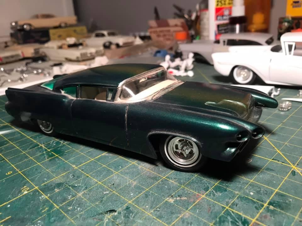 Vintage built automobile model kit survivor - Hot rod et Custom car maquettes montées anciennes - Page 14 12878410