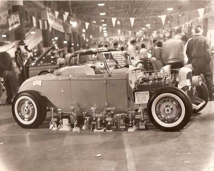 Vintage Car Show pics (50s, 60s and 70s) - Page 23 13080910
