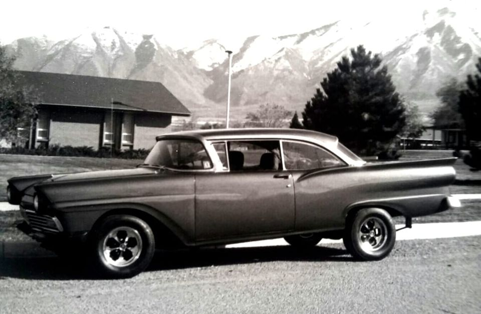 custom cars in the street - in situation ( vintage pics 1950's & 1960's)  - Page 6 13193012