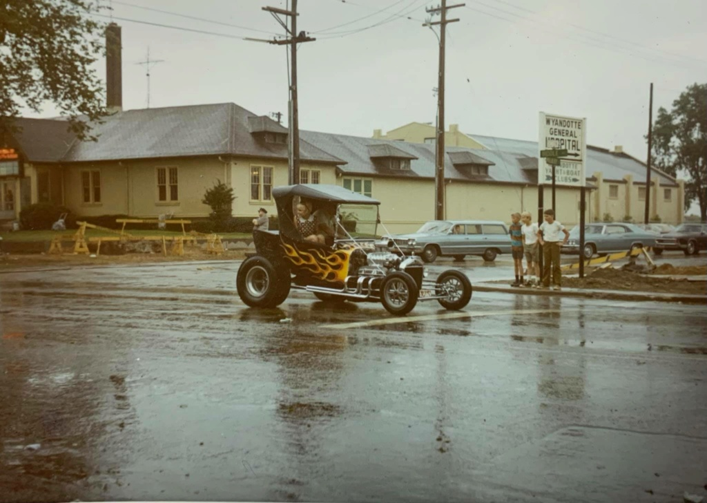 "Hot rod in street - Vintage pics - ""Photos rétros"" -  - Page 7 13196010"