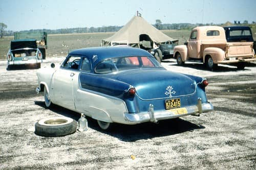 custom cars in the street - in situation ( vintage pics 1950's & 1960's)  - Page 6 13205110