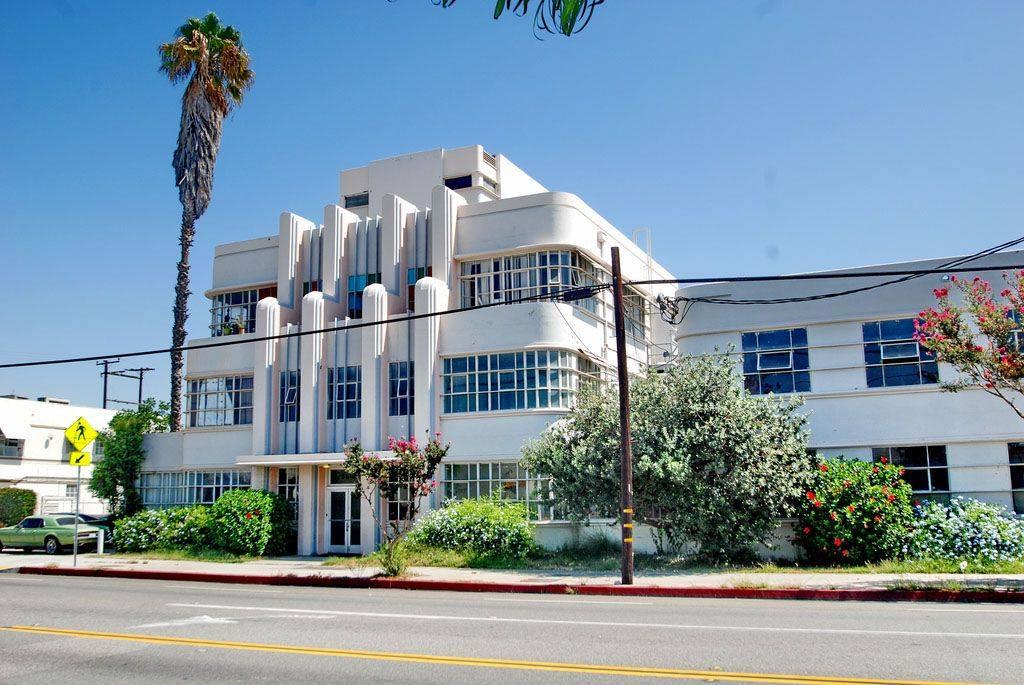 Architectures de banques et bureaux vintages - 1950's & 1960's Office & Bank  13376810
