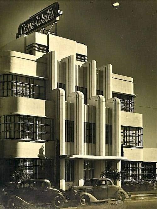 Architectures de banques et bureaux vintages - 1950's & 1960's Office & Bank  13427110