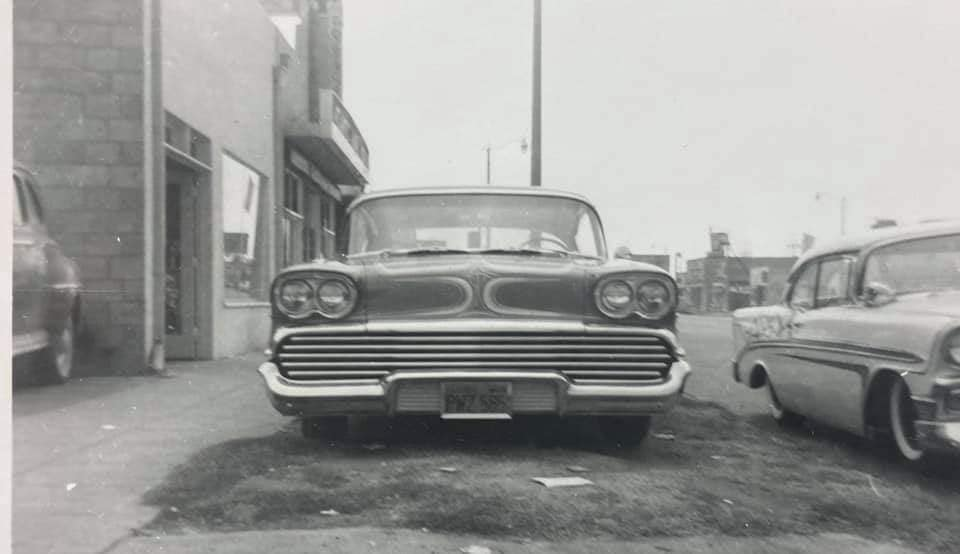 custom cars in the street - in situation ( vintage pics 1950's & 1960's)  - Page 6 13447710