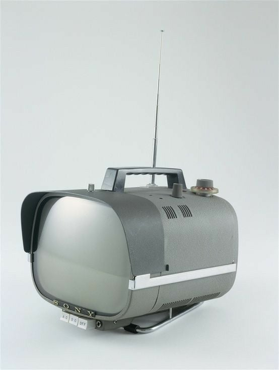 Téloches.... Vintage televisions - 1940s 1950s and 1960s tv - Page 4 13486310