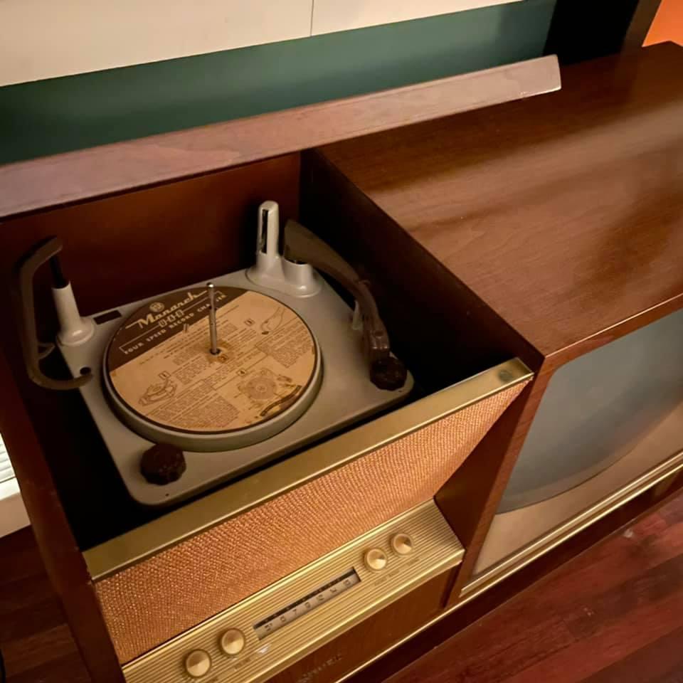 Marconi Canada - Combined Radio Tv - late 50s 15002810