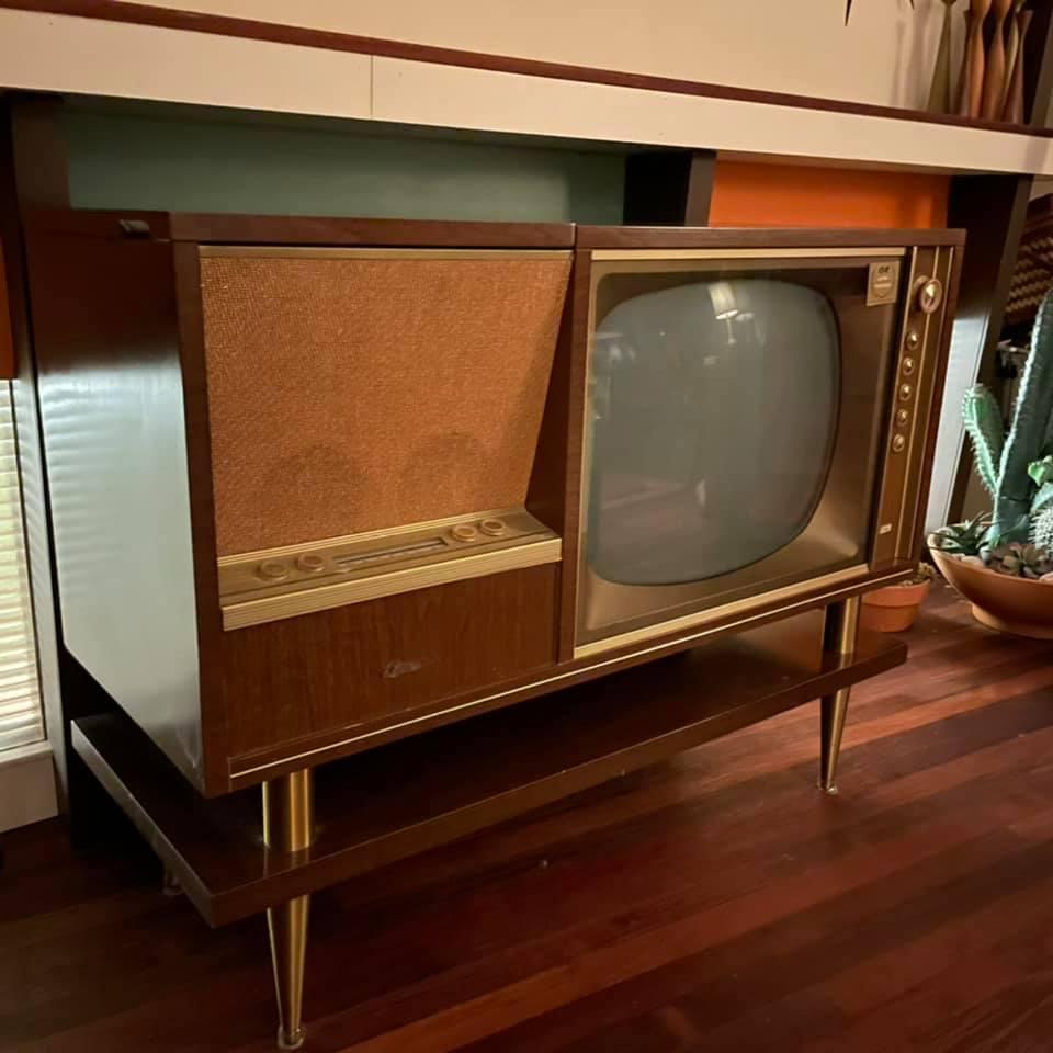 Marconi Canada - Combined Radio Tv - late 50s 15036210