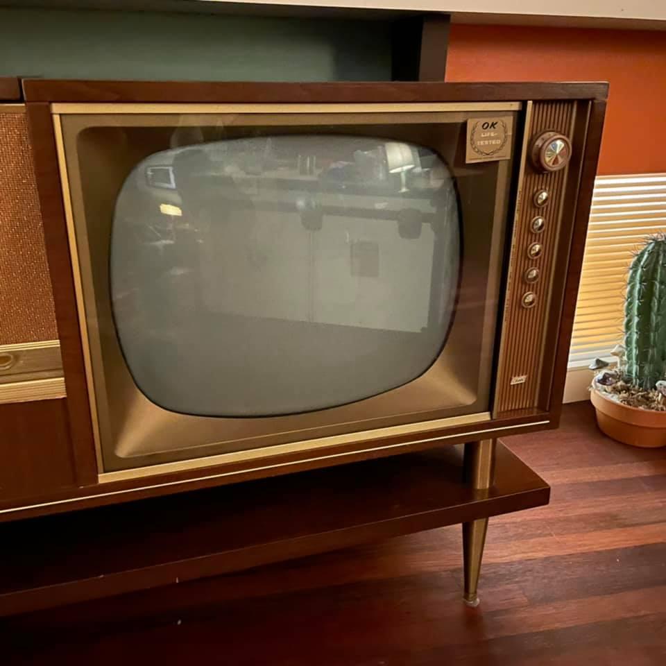 Marconi Canada - Combined Radio Tv - late 50s 15040610