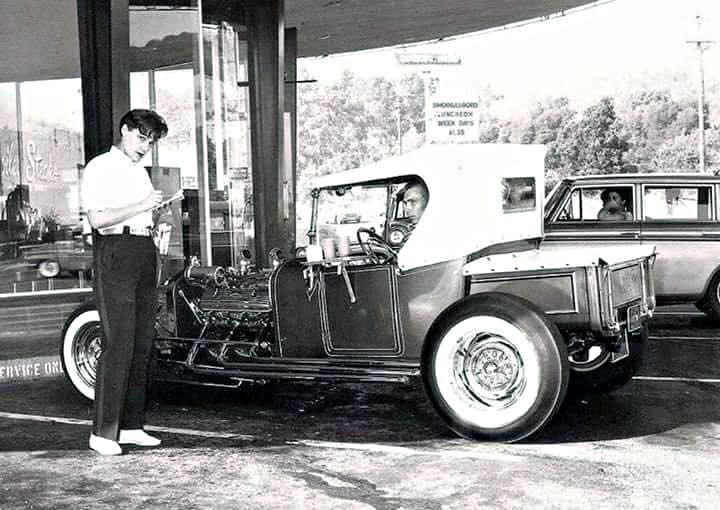 "Hot rod in street - Vintage pics - ""Photos rétros"" -  - Page 7 15446810"