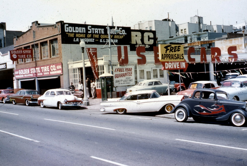 custom cars in the street - in situation ( vintage pics 1950's & 1960's)  - Page 7 15873610