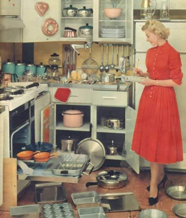 """Mai 1955, Housekeeping Monthly a publié un article intitulé """"Le Guide De La Bonne Épouse"""" 16410"""